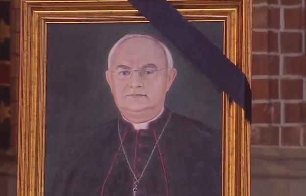 Abp Wojda: abp Hoser był człowiekiem szerokich horyzontów