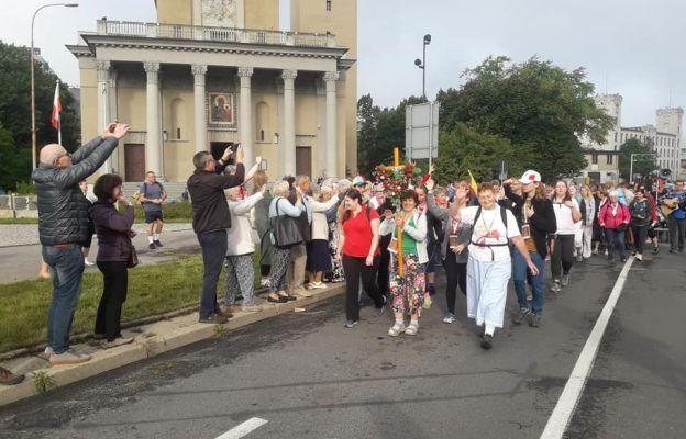 Pielgrzymi z diecezji łódzkiej w drodze na Jasną Górę
