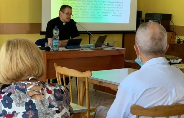 Ks. dr Marcin Kowalski przybliżył życie i listy apostoła Pawła.