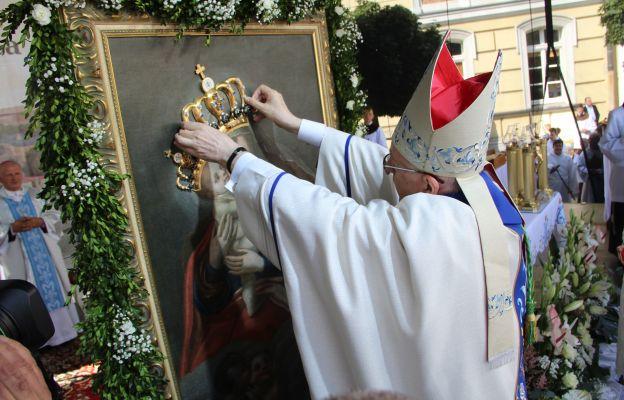 Wschowa. Koronacja obrazu Matki Bożej Pocieszenia