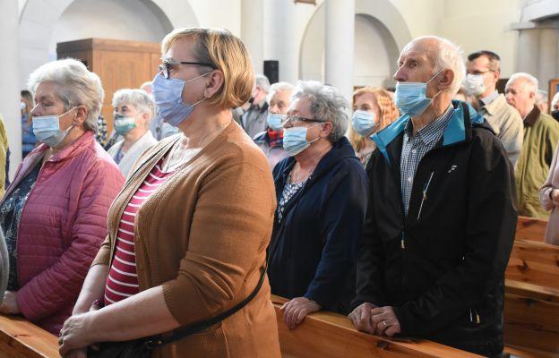 Przewodniczący Episkopatu apeluje o przestrzeganie obostrzeń sanitarnych w kontekście uroczystości Wszystkich Świętych