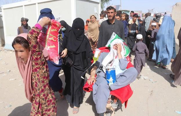 Pomoc dla Afgańczyków: Na co będą przeznaczone pieniądze ze zbiórki przed kościołami?