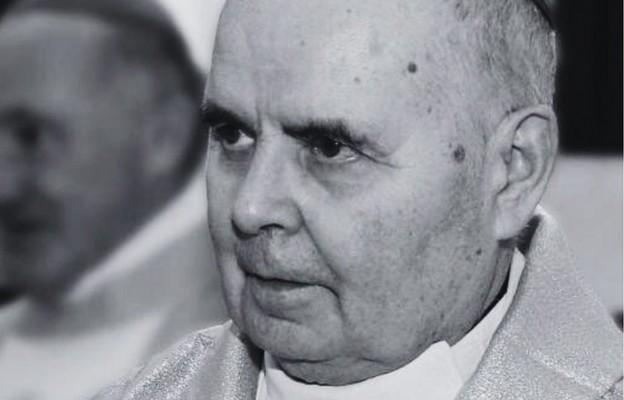 Bp Marian Duś