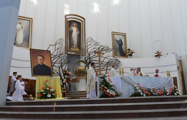 Peregrynacja relikwii bł. ks. Michaela McGivneya w archidiecezji krakowskiej  rozpoczęła się w łagiewnickim Wieczerniku