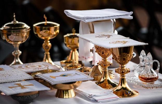 """Ile można się spóźnić na Mszę św., aby była """"ważna""""?"""