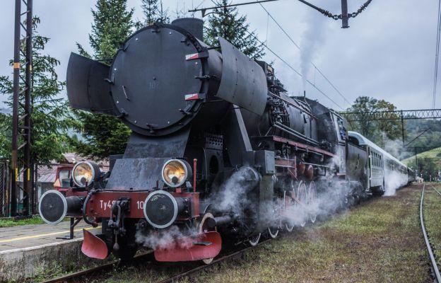 Pociąg retro czeka na pasażerów