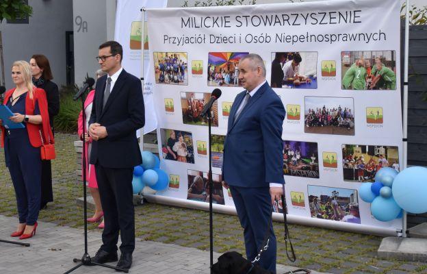 """""""Dziękuję wszystkim, którzy angażują się w pomoc osobom niepełnosprawnym"""" - premier Mateusz Morawiekci podczas otwarcia Milickiego Centrum Wsparcia """"Capitol"""""""