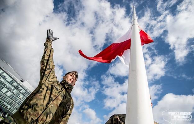 Warszawa: Msza św. zainaugurowała święto Wojsk Obrony Terytorialnej