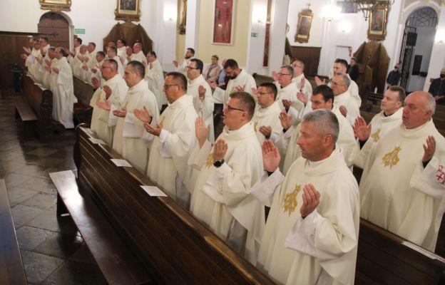 28 września kierownicy pieszych pielgrzymek z całej Polski modlili się w Rokitnie