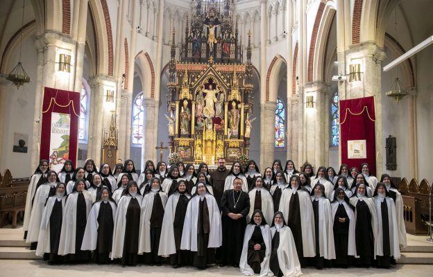 Łódź: 100-lecie Karmelitanek Dzieciątka Jezus