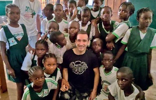 Radosław Szczęsny i Jakub Wojsławski w Liberii