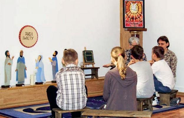 Spotkanie dzieci w Szkole Modlitwy przy sanktuarium św. Faustyny