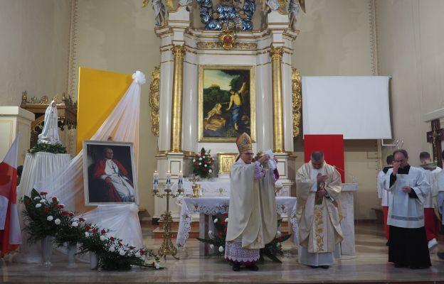 Bp Długosz: wielu z nas zapomniało o nauczaniu św. Jana Pawła II