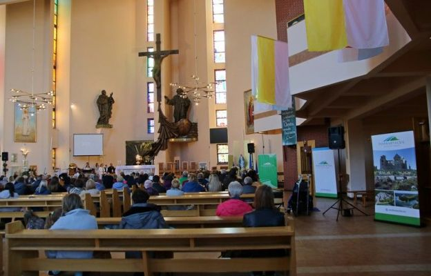Spotkania odbywały się w kościele św. Piotra i Jana
