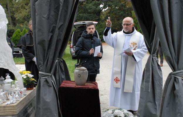 Ceremonii pochówku dzieci utraconych przewodniczył o. Fabian Kaltbach
