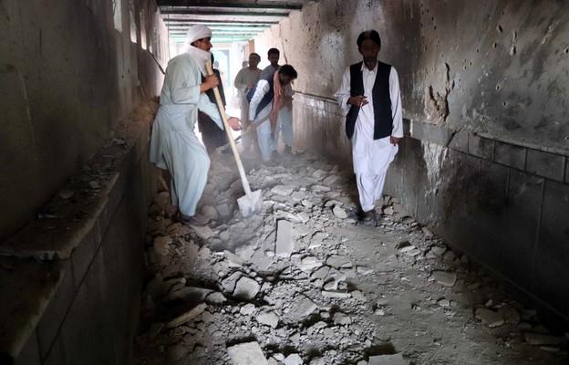Afganistan/ Do 47 wzrosła liczba ofiar śmiertelnych zamachu w meczecie w Kandaharze