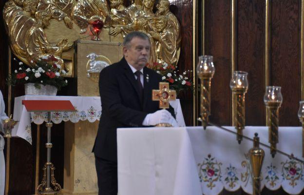 W procesji wejścia relikwie wniósł Józef Popiełuszko, brat bł. ks. Jerzego