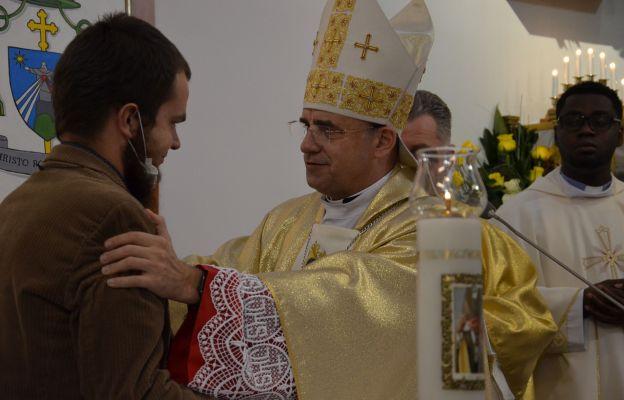 """Bartłomiej Tumiłowicz podjął się wyzwania bycia świeckim misjonarzem na kontynencie, skąd  """"przyjdzie wiosna Kościoła"""", jak mówił patron jego parafii, św. Jan Paweł II"""