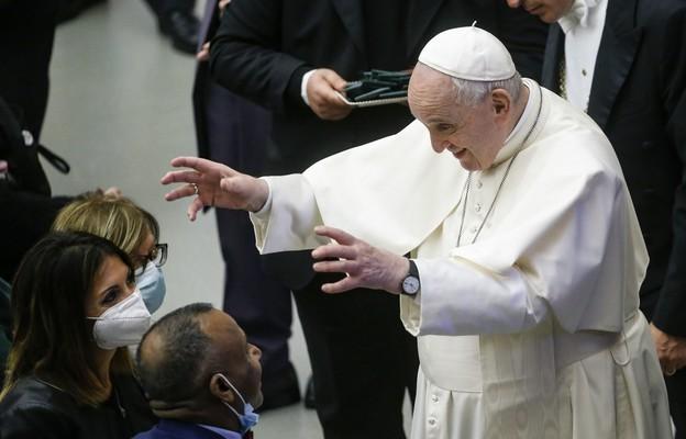 """Papież do Włochów: """"nie"""" dla łatwych rozwiązań, pomyślcie o młodych"""