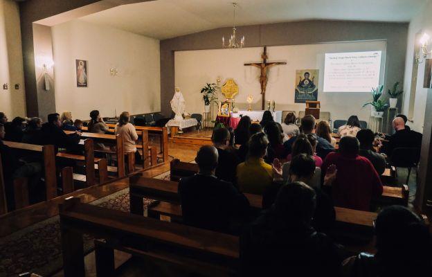 Spotkanie modlitewne podczas kursu